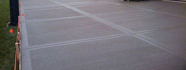 Concrete driveway poured by Terrill Concrete Contracting St. Louis